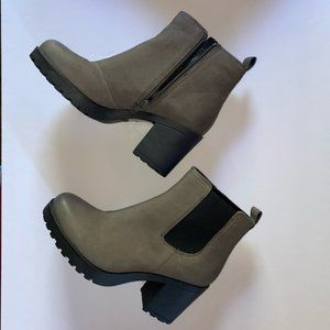 NEW Vegabond Grace Leather Platform Ankle Boots